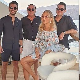 Teknede tatil pozları...