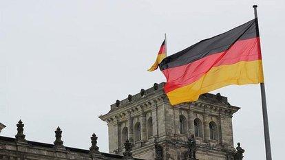 Alman ekonomisi ikinci çeyrekte küçüldü