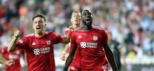 Sivasspor, Kartal'ı 3 golle avladı!