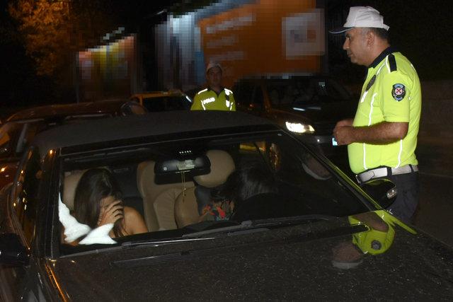 Hande Erçel polis kontrolüne takıldı - Magazin haberleri