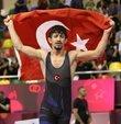 Dünya Gençler Güreş Şampiyonası grekoromen stil 60 kiloda Kerem Kamal, final maçında Ermeni rakibi Sahak Hovhannisyan