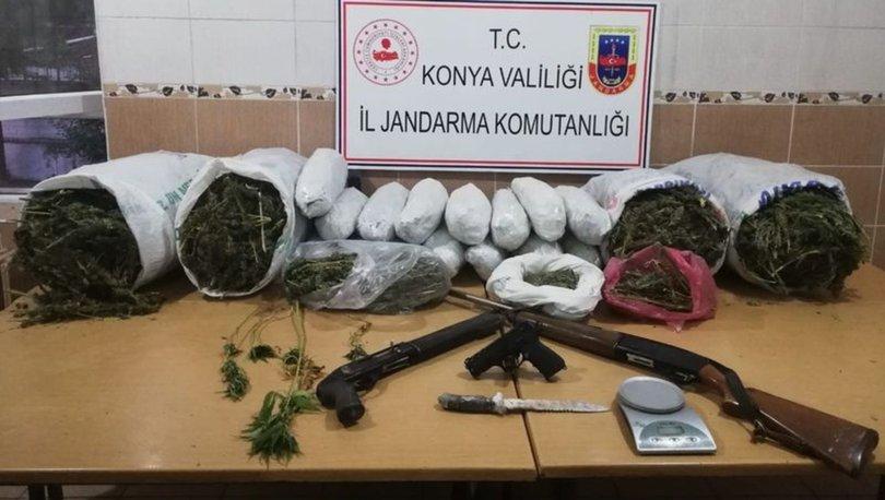 Konya'da baba-oğul 49 kilo esrar ile yakalandı