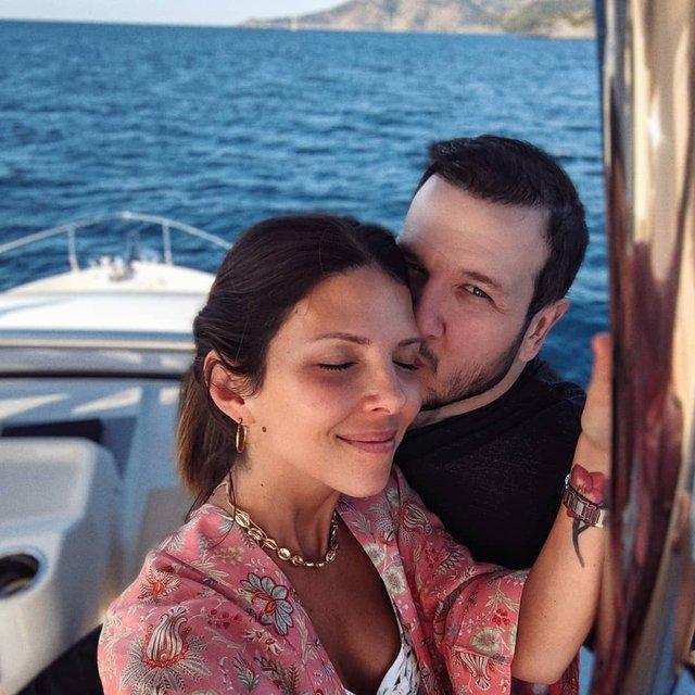 Şahan Gökbakar ile Selin Gökbakar'dan aşk pozu - Instagram Magazin haberleri