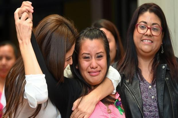 Evelyn Hernandez - Bebeği ölü doğan ve 'cinayet davasında' yargılanan El Salvadorlu kadın beraat etti