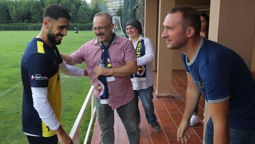 Koray Şener'in ailesi Fenerbahçe'yi ziyaret etti