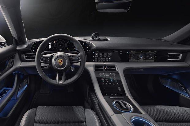 İşte elektrikli Porsche'nin iç mekanı!