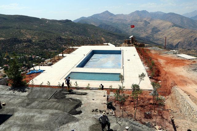 Üs bölgesi, yüzme havuzlu sosyal tesise dönüştürülüyor