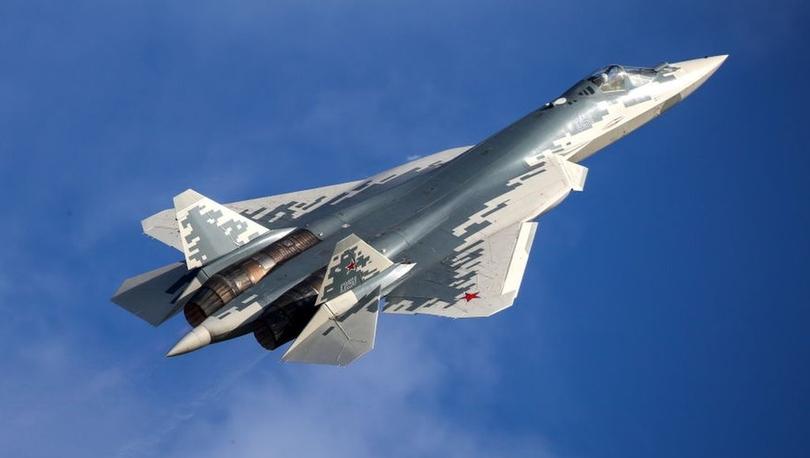 Su-57: Putin'in Erdoğan'a tanıttığı beşinci nesil savaş uçağı hakkında neler biliniyor?