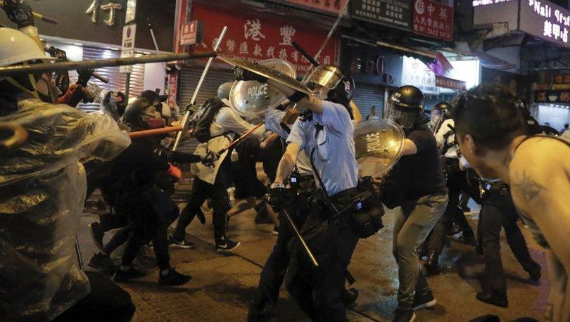 Hong Kong'da maskeli protestocuları ifşa edene ödül!