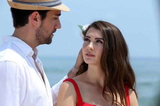 Afili Aşk dizisinin Kerem'i Çağlar Ertuğrul kimdir?