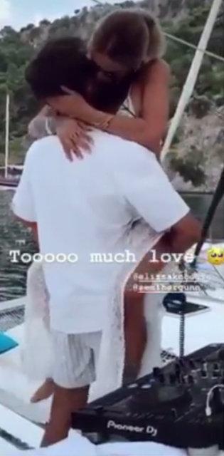 Eliz Sakuçoğlu sevgilisi Semih Ergün ile aşka geldi! Eliz Sakuoğlu'nun paylaşımı takipçilerini ikiye böldü - Instagram Magazin haberleri
