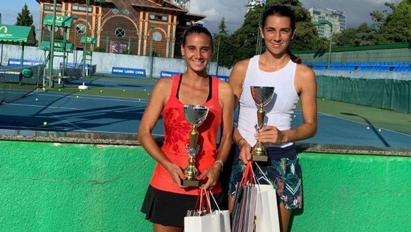 Melis Sezer'den çiftler şampiyonluğu