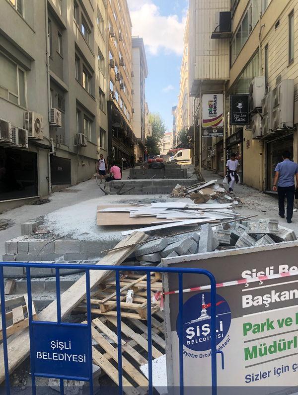Kuyumcu İrfan Sokak'taki yenileme çalışmaları tartışılıyor...