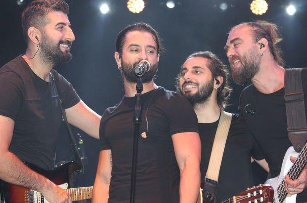 Koray Avcı, Alaşehir'de konser verdi