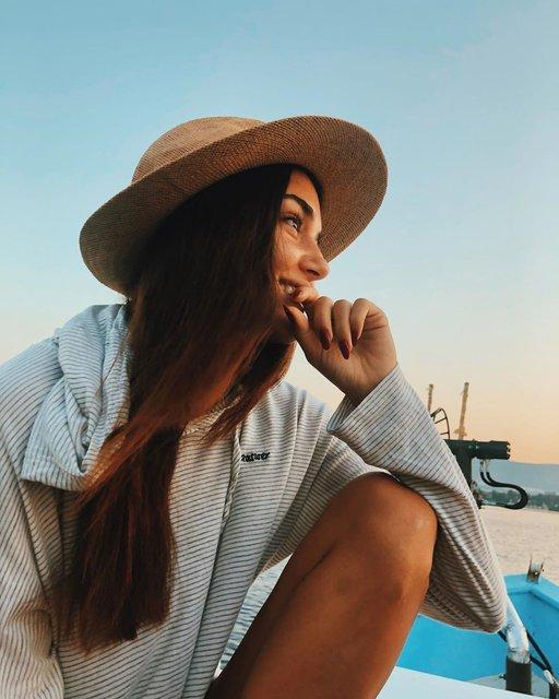 Hande Erçel'den makyajsız pozlar - Magazin haberleri Instagram