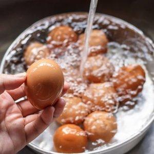 Yumurtayı sakın yıkamayın! İşte nedeni...