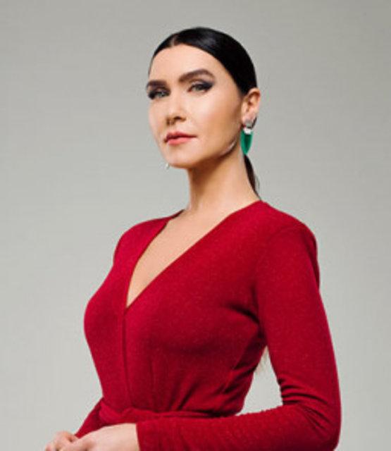Yasak Elma oyuncuları kimler? Yasak Elma'ya Nesrin Cavadzade ve Tuvana Türkay'da dahil oldu