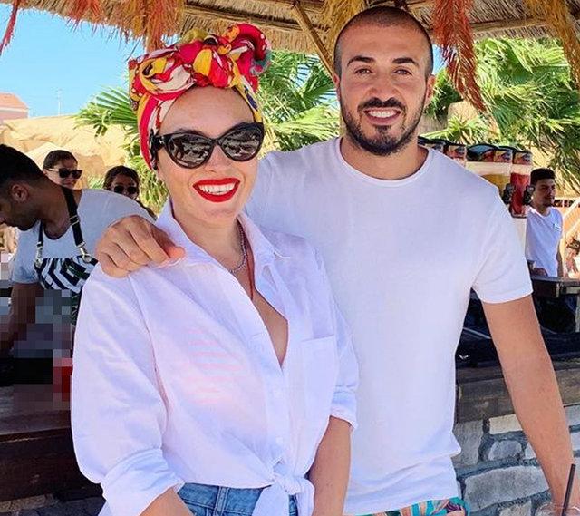 Ezgi Mola ile sevgilisi Mustafa Aksakallı'dan aşk pozu - Instagram Magazin haberleri