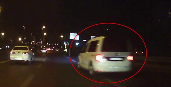 Trafik magandasının korkunç kazadan önceki makas görüntüsü
