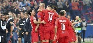 Devler Ligi'nde çılgın maç! 8 gol...