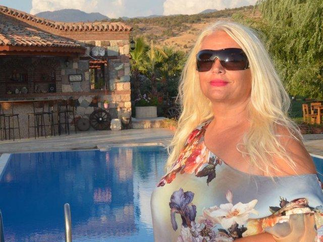 Banu Alkan: Yemek takımım ev satın alır
