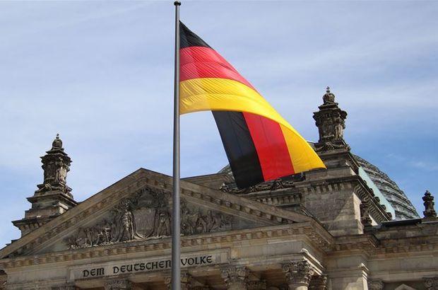 Almanya Suudi Arabistan'a silah satmamaya 6 ay daha devam edecek