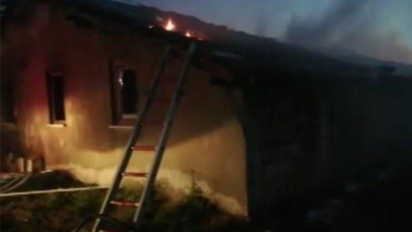Isparta'da ahırda çıkan yangında iki hayvan öldü