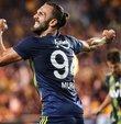 """Fenerbahçeli futbolcu Vedat Muric, """"Derbide gol atmak isterim herkes ister. O sahada takımım için ne kadar katkı sağlarsam mutlu olurum. İnşallah derbide gol bana da nasip olur"""" dedi..."""
