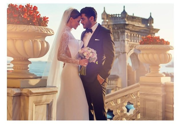 Ebru Şallı ile Uğur Akkuş evlendi, Ebru Şallı evlendi