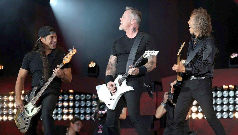 Metallica'dan hayranlarını üzen haber: James Hetfield rehabilitasyon görecek!