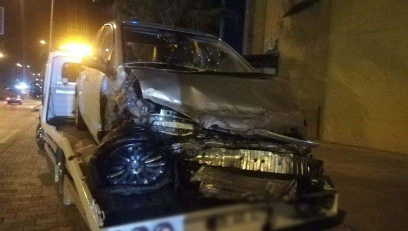 Son dakika FECİ KAZA! İzmir'de trafik kazası: 1'i ağır, 5 yaralı - Haberler