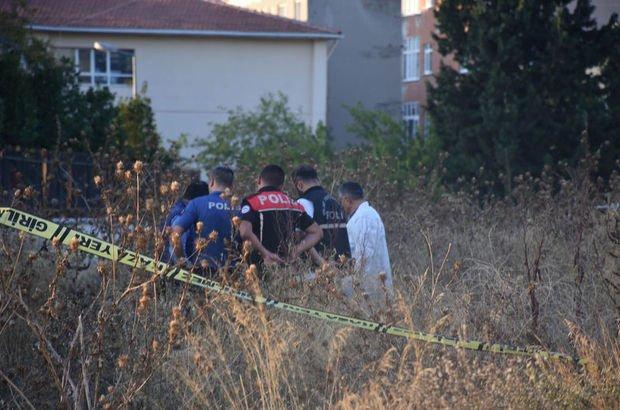 Güngören'de boş arazide bir erkeğin cansız bedeni bulundu