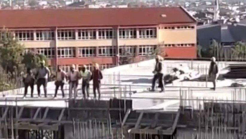 Görenler şaşırıp kaldı! İnşaat işçilerinin halay molası!