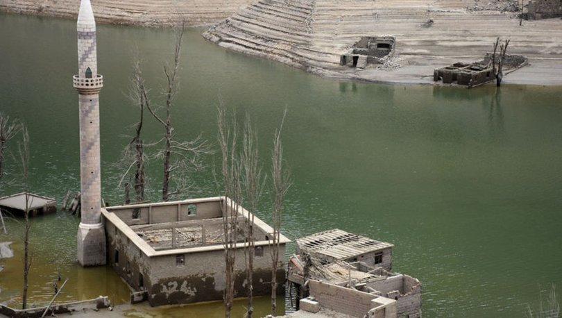 Sular çekildi, köy ortaya çıktı - Haberler