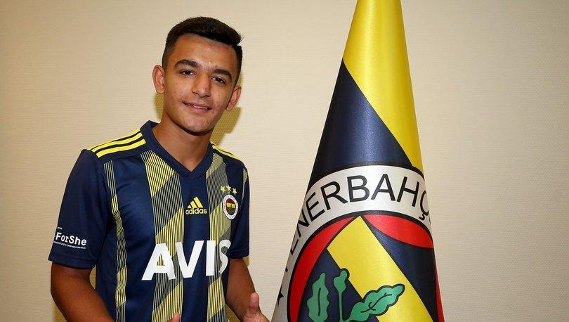 Fenerbahçe'den genç futbolcuya profesyonel sözleşme