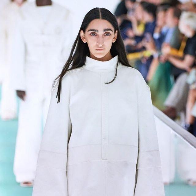 Gucci'nin yeni yüzü Armine Harutyunyan sosyal medyayı ikiye böldü - HABERLER