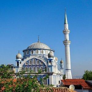 4 Ekim İzmir Cuma namazı saat kaçta?