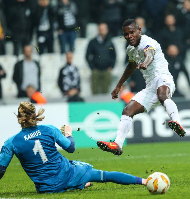 Loris Karius eleştirilen goller için topu suçladı!
