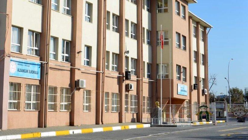 İstanbul'da 5 ilçedeki 6 okul binası boşaltıldı