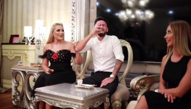 SON DAKİKA! Selin Ciğerci ile Gökhan Çıra nişanlandı - Magazin haberleri 2019