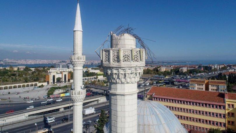 deprem Avcılar'da minaresi yıkılan cami