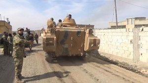 Zorla silah altına alınan Araplar YPG/PKK'dan kaçıyor