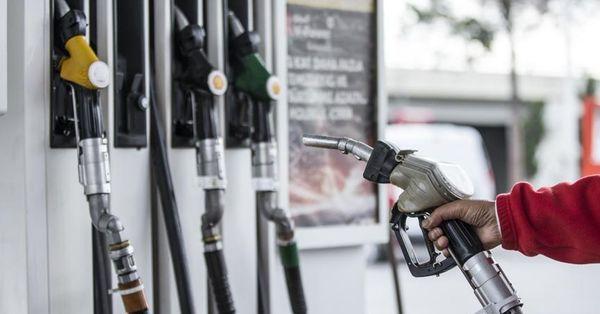 Serbest kullanıcıların petrol stoku mecburiyeti kaldırıldı
