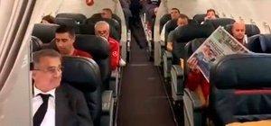 Uçakta Şenol Güneş'e sürpriz!