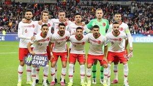 UEFA'nın en iyi 11'inde iki Türk