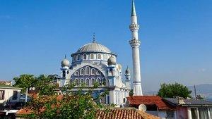 18 Ekim İzmir Cuma namazı saat kaçta?