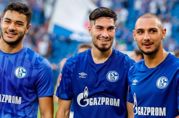 Schalke 04'ten Türk oyuncularına asker selamı uyarısı