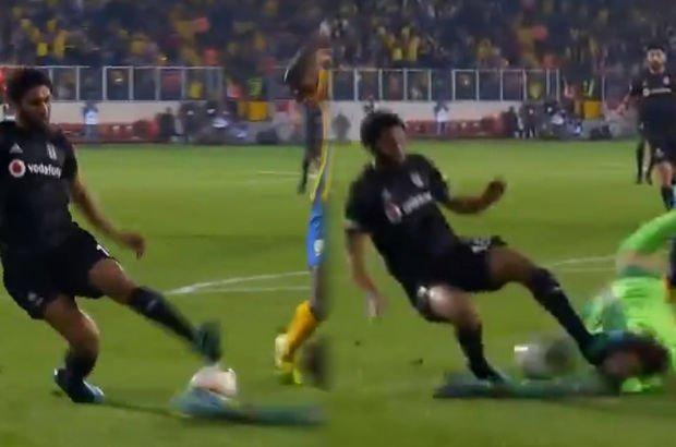 Ankaragücü - Beşiktaş maçında tartışma yaratan pozisyon