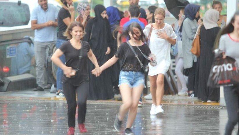 Türkiye'nin yarısı yağmurlu, yarısı sisli!