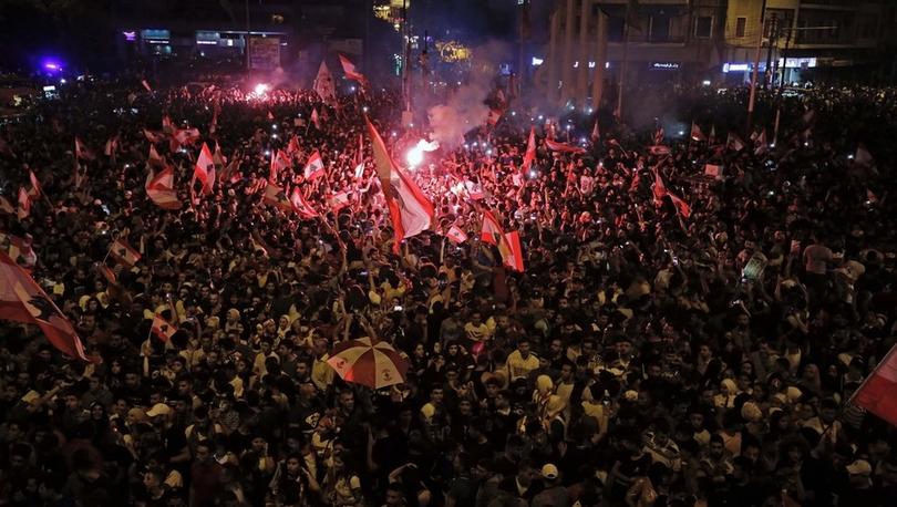 Lübnan'da bir milyonu aşkın kişi neden sokaklara çıktı?
